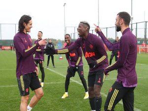 Bóng đá quốc tế 24/10: Cavani sẵn sàng ra mắt M.U ngay hôm nay