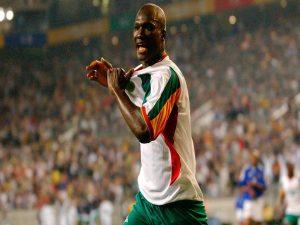 Tin bóng đá quốc tế 30/11: Huyền thoại Senegal qua đời ở tuổi 42