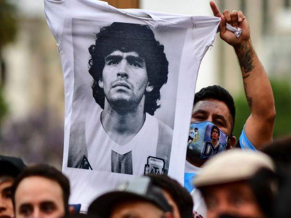 Những dấu hỏi xung quanh cái chết của Diego Maradona