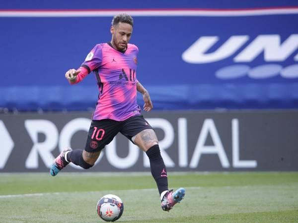 Những kĩ thuật Neymar trong các pha xử lý bóng kinh điển